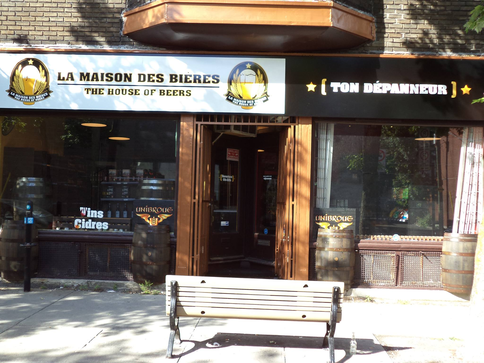 La maison des bi res boutique de bi res au plateau mont for Maison de la biere reims